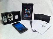 iPhone 3G В комплекте: Сам телефон,  наушники,  usb-кабель,  инструкция